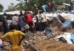 Kongo′da Uçak Evlerin Üzerine Çakıldı Çok Sayıda Ölü Var