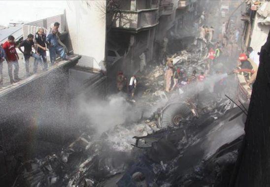 Pakistan'da Düşen Uçakta Ölü Sayısı 97 Oldu!