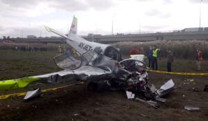 İstanbul'da Eğıtim Uçağı Düştü! Kaza Neden Oldu?