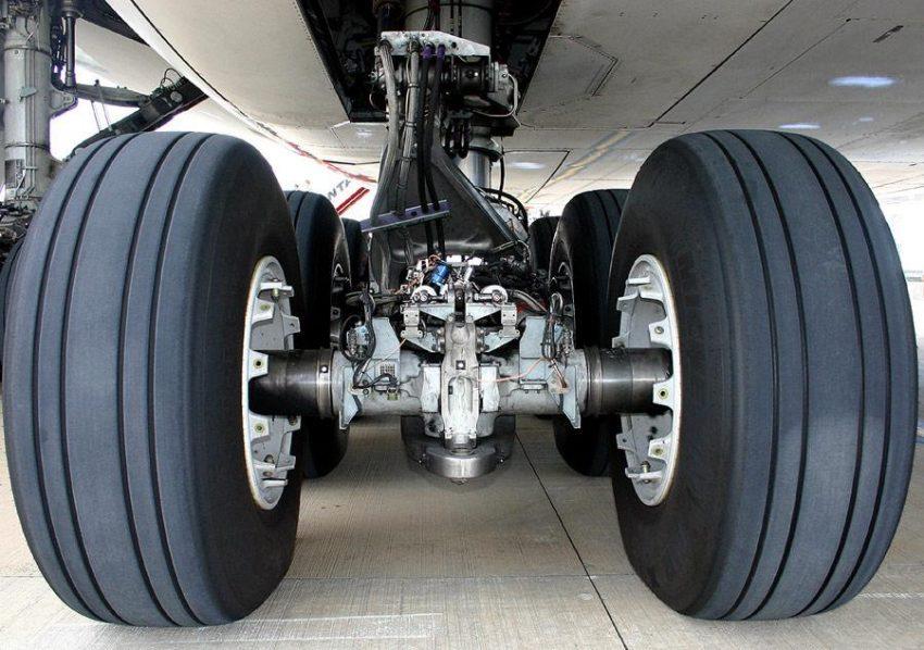 Uçak Lastikleri1
